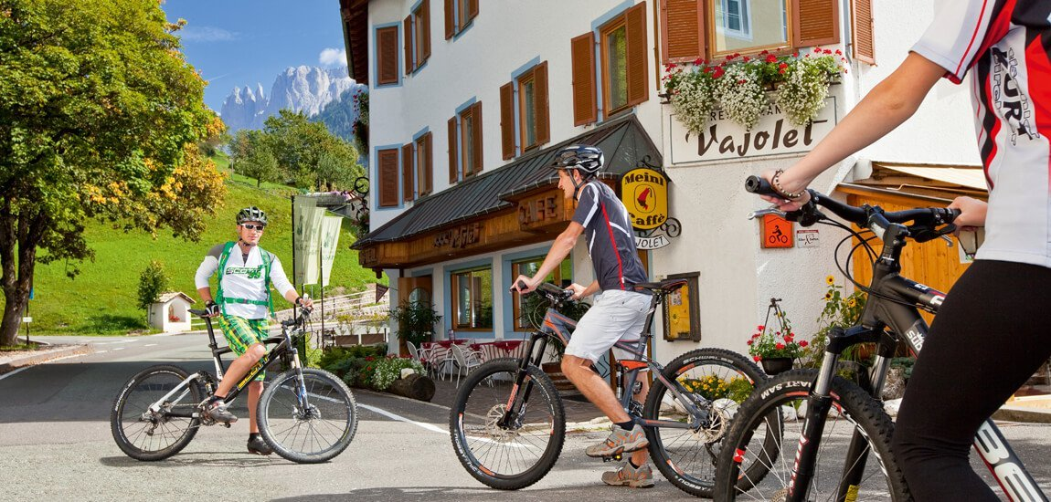 Your bike hotel in the Dolomites offers you many advantages