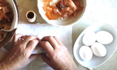 La tradizione delle uova colorate