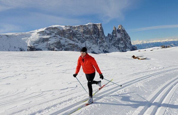 In the cross-country skiing holiday in South Tyrol, you should also visit the Seiser Alm